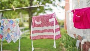Enlever le gras sur les vêtements